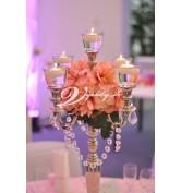 Ružová s so striebornými svietnikmi a pohárikmi
